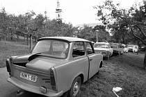 Pražské zátiší s opuštěnými trabanty