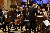 Londýnský symfonický orchestr s dirigentem Gianandreou Nosedou vystoupil 8. září na mezinárodním hudebním festivalu Dvořákova Praha.
