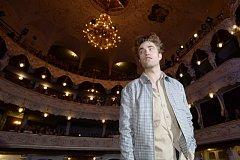 Britský herec Robert Pattinson uvedl 7. července 2018 v karlovarském městském divadle snímek Rover v rámci programu mezinárodního filmového festivalu v Karlových Varech.