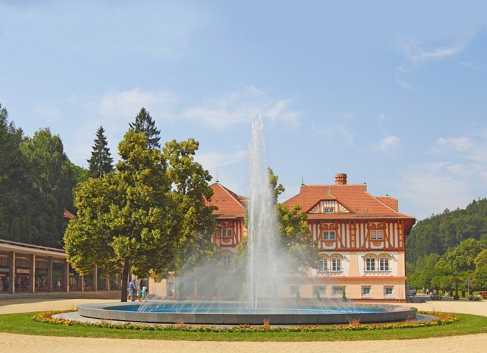 Uprostřed zeleného moře Bílých Karpat se nachází Luhačovice, čtvrté největší lázně v České republice.