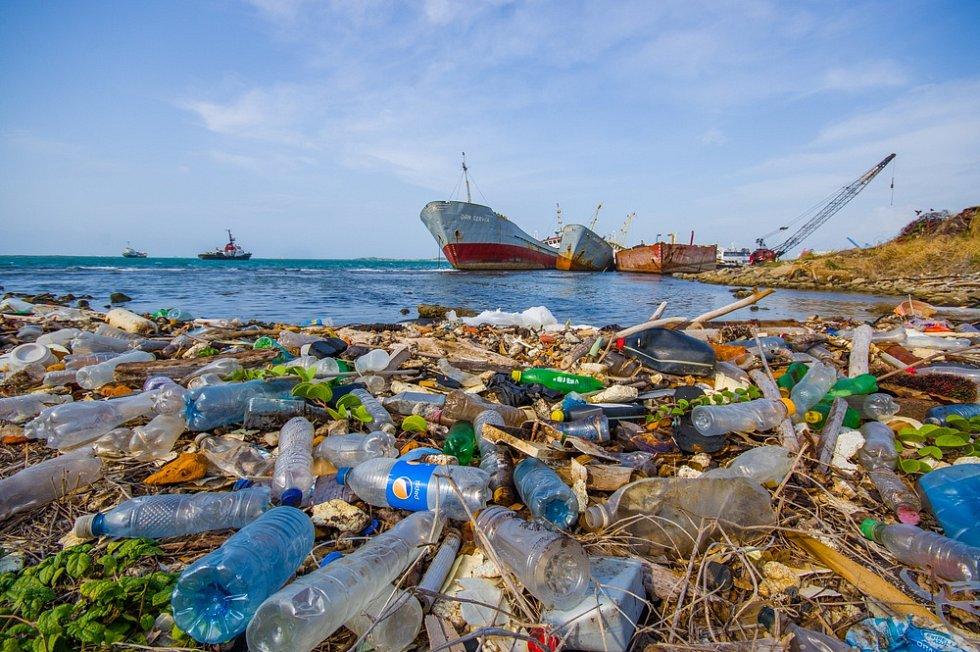 Problém s plasty je velmi vážný.