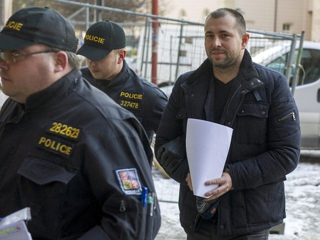 Pardubický soud začal projednávat návrh na vzetí do vazby advokáta Ivo Haly (na snímku) a podnikatele Petra Sisáka.