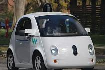 Test autonomního automobilu Waymo.