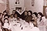 Komunistický režim organizoval hromadné oslavy MDŽ.
