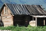 Pohoří Sajany. Zde je  opět klášter buddhistů i původní vesnice