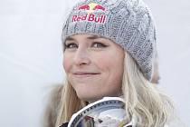 Lyžařka Lindsay Vonnová se raduje z dalšího triumfu.
