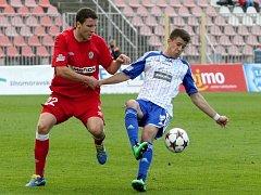 Aleš Schuster z Brna (vlevo) proti Znojmu.