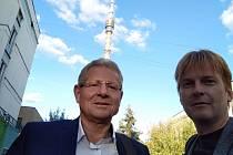 Ruský novinář Ivan Židkov (vpravo) obdivoval trenéra Vlastimila Petrželu během jeho angažmá v Zenitu.