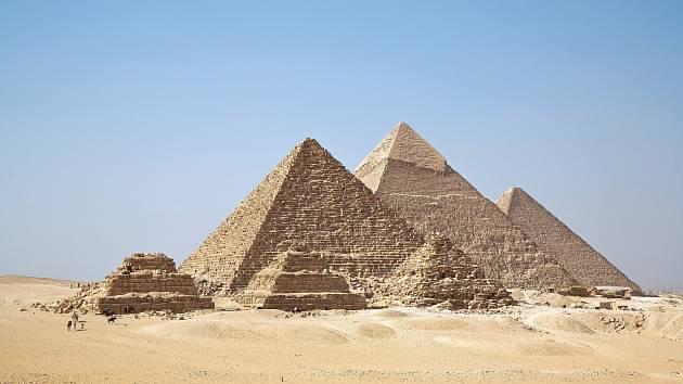 Egyptské pyramidy v Gíze jsou jediným dochovaným divem světa.