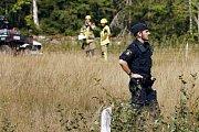 Švédští vyšetřovatelé na místě, kde havaroval gripen