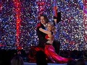 Bývalý hokejista martin Procházka zpestřil slavnostní večer Sportovce roku tanečním představením.