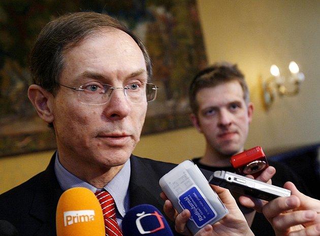 Jan Švejnar na středeční tiskové konferenci