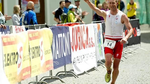 Triatlet Jan Kubíček.
