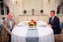 Premiér Andrej Babiš s prezidentem Milošem Zemanem na pravidelné schůzce