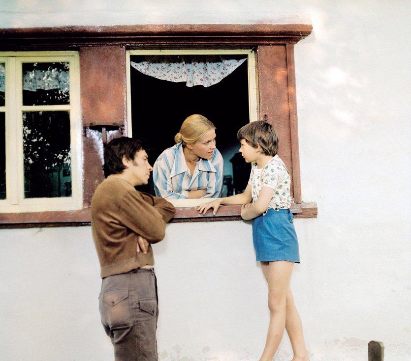 """V roce 1978 s Františkem Němcem a malým Tomášem Holým v pokračování """"Stoličky"""" Jak dostat tatínka do polepšovny."""