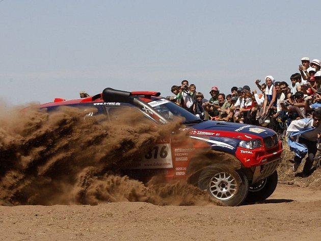 Ruská posádka Leonid Novickij, Oleg Ťupenkin dovezla své BMW na dvanáctém místě.
