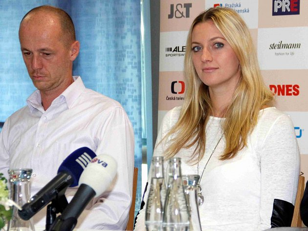 Nominační tiskovka před finále Fed Cupu 2014.  Petr Pála a Petra Kvitová.