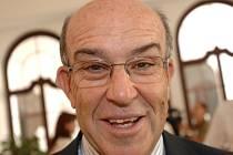 Carmelo Ezpeleta, šéf promotérské organizace Dorna řídící MS silničích motocyklů.