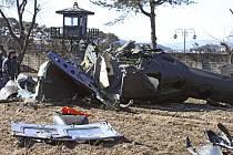 Tři vojáci dnes zahynuli v Jižní Koreji, když se s nimi zřítil vrtulník.