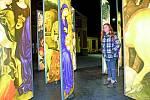Napajedla (Zlínský kraj)–Tazvaný kinetický betlém mají v Napajedlích na Zlínsku. Betlém je jakýmsi zachycením příběhu, ve kterém následují pastýři betlémskou hvězdou na místo narození Ježíška.