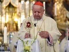Mši sloužil polský kardinál Stanislaw Dziwisz, někdejší osobní sekretář papeže, který Jana Pavla II. při jeho tehdejší návštěvě doprovázel.
