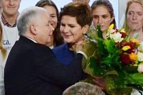 Opoziční konzervativní polská strana Právo a spravedlnost (PiS) zvítězila v nedělních parlamentních volbách se ziskem 37,58 procenta hlasů.