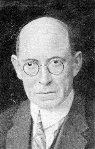 Spisovatel a žurnalista Rudolf Těsnohlídek stál u zrodu tradice, která se stala specifickým symbolem samostatného československého státu