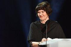 Státní cenu za překlad obdržela z rukou ministra kultury Antonína Staňka za celoživotní dílo Helena Stachová.