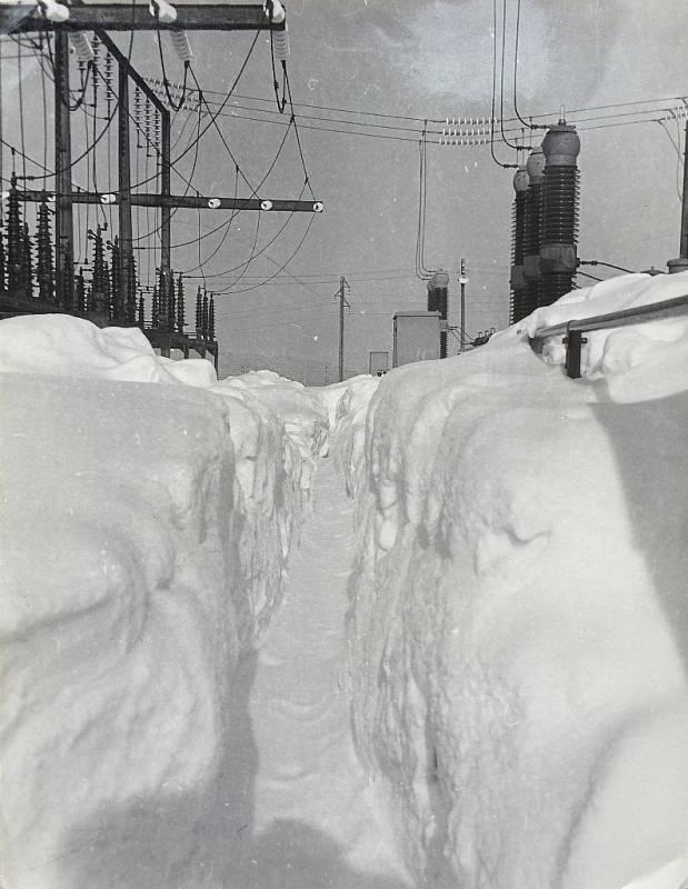 Zasněžená rozvodna v roce 1985