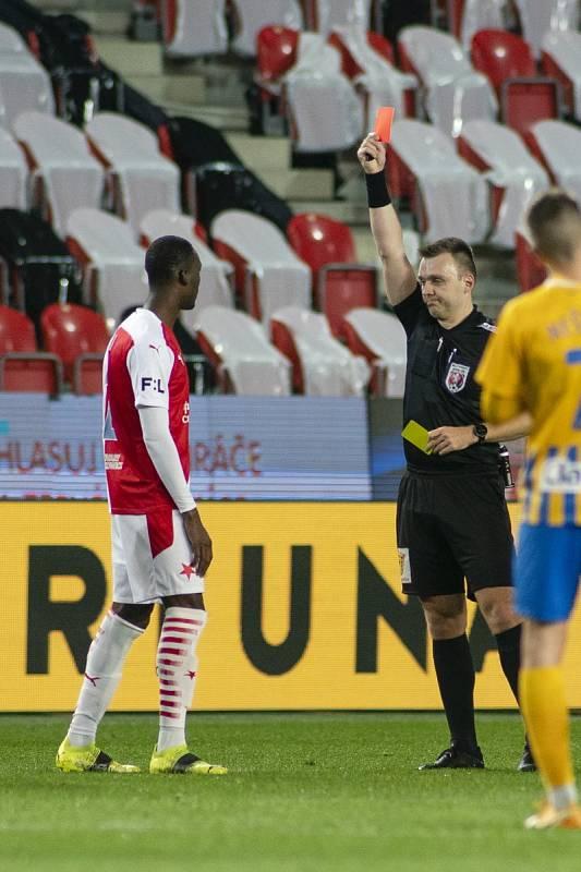 Abdallah Sima viděl červenou kartu