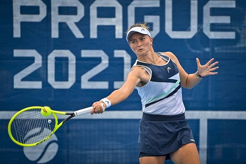 Barbora Krejčíková ve čtvrtfinále Prague Open 2021.