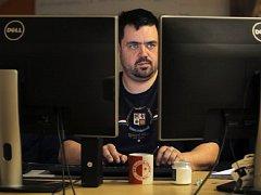 ČESKÝ ŽURNÁL. Píšu jen to, co moje čtenáře zajímá, říká Pavel Novotný, šéfredaktor bulvárního serveru.