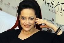 Nový videoklip k titulní písni alba Modi si ke svým nedávným narozeninám, které měla 7. dubna, nadělila zpěvačka Lucie Bílá.