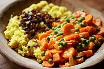 Dušená zelenina spolentou a hlívou.