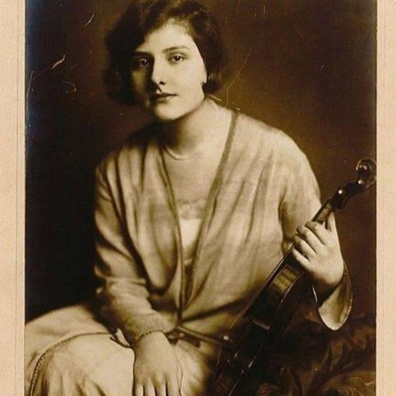 Houslová virtuózka Alma Rosé v Osvětimi zemřela