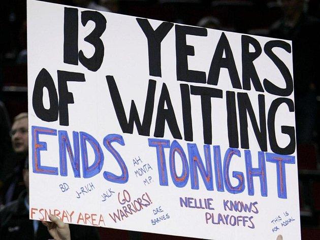 Fanoušci Golden State oslavují postup do play off