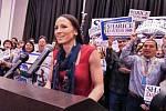 Demokratka Sharice Davidsová je první indiánka zvolena v Kansasu do Kongresu