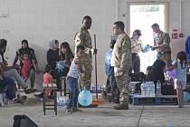 Británie dala imigrantům pobývajícím na její vojenské základně na Kypru sedm dní na to, aby v tomto ostrovním státě požádali o azyl, jinak budou deportováni do Libanonu.