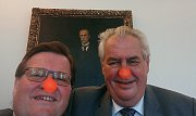 Selfie Zdeňka Škromacha s prezidentem Milošem Zemanem - fotomontáž