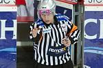 Rozhodující gól Petra Lešky (Zlín) v nájezdu uznal rozhodčí na základě videozáznamu.