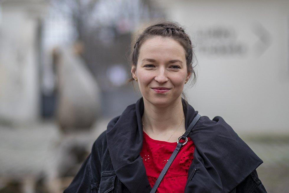 Berenika Kohoutová při čtené zkoušce 29. března v Praze na tiskové konferenci k představení Werich v rámci Letní scény Musea Kampa.