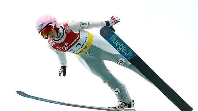 Skokanka na lyžích Štěpánka Ptáčková.