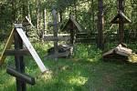 Ve zdejším skanzenu je hřbitůvek prvních Rusů voblasti