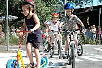 Děti z Berouna se v úterý 29. června 2010 dočkaly krásného dárku k začátku prázdnin. Zástupci města a kraje jim totiž slavnostně předali zrekonstruované dopravní hřiště. Investice přesáhla dva miliony korun.