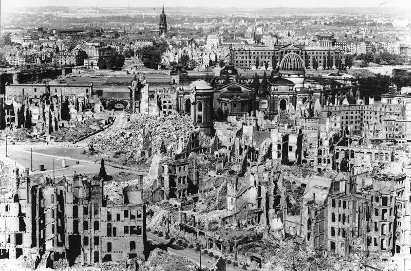 Centrum města po bombardování