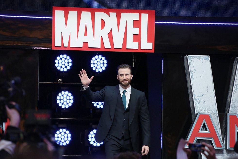 Chris Evans se stal slavným především díky hlavní roli ve snímku Kapitán Ameriky.