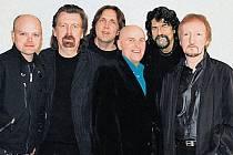 EXPERIMENTÁTOŘI. Za vznikem ELO stála v 70. letech touha členů kapely Move vytvořit něco, co tu skutečně ještě nebylo...