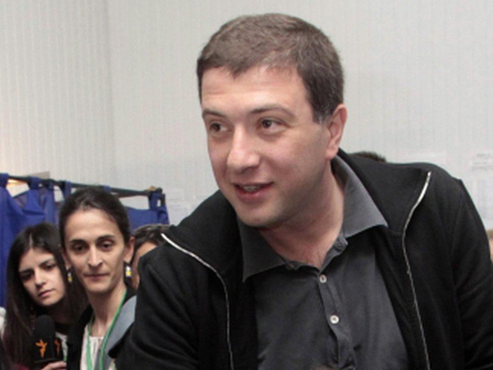 Gruzínský opoziční politik, bývalý starosta Tbilisi Gigi Ugulava byl v pátek odsouzen ke 4,5 roku vězení za zpronevěru.