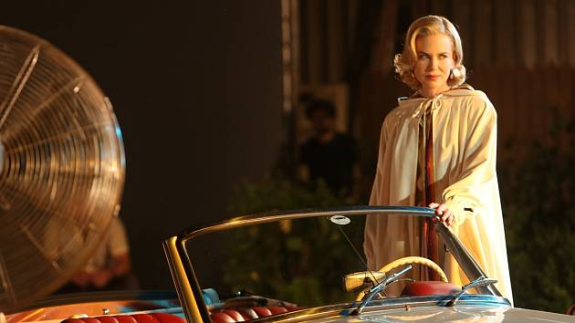 O HEREČCE A KNĚŽNĚ. Máme společnou vášeň k herectví a rodinnému životu, říká  Nicole Kidmanová k filmu o Grace Kellyové. Dnes jde film Grace do českých kin.