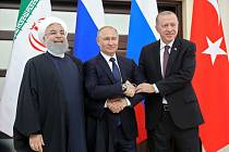 Hasan Rúhání, Vladimir Putin a Recep Tayyip Erdogan na summitu v Soči